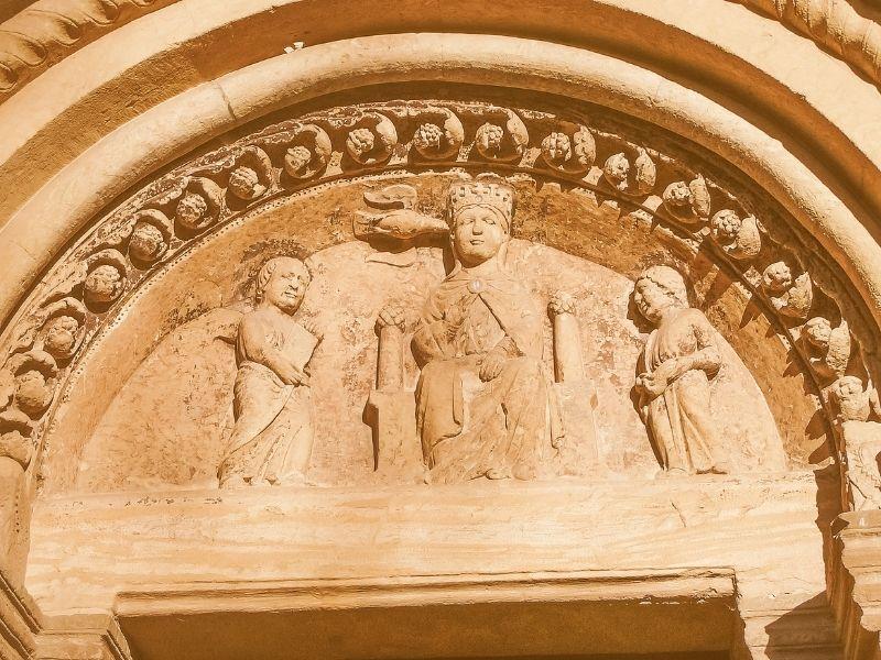 particolare abbazia di vezzolano